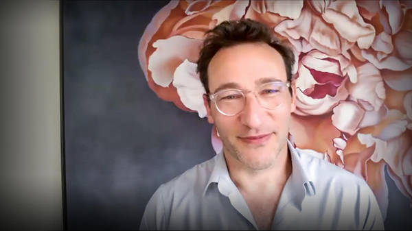 """How to discover your """"why"""" in difficult times   Simon Sinek"""